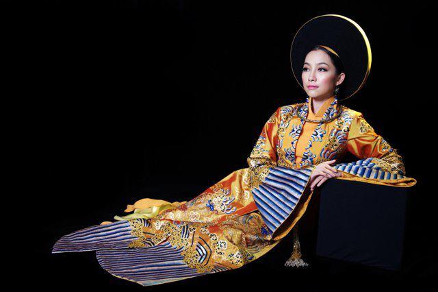 Tenue traditionnelle femmes royales