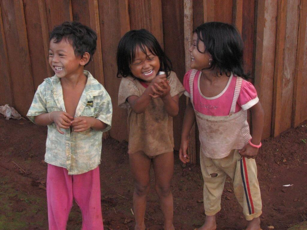 visiter cambodge enfants Mondolkiri