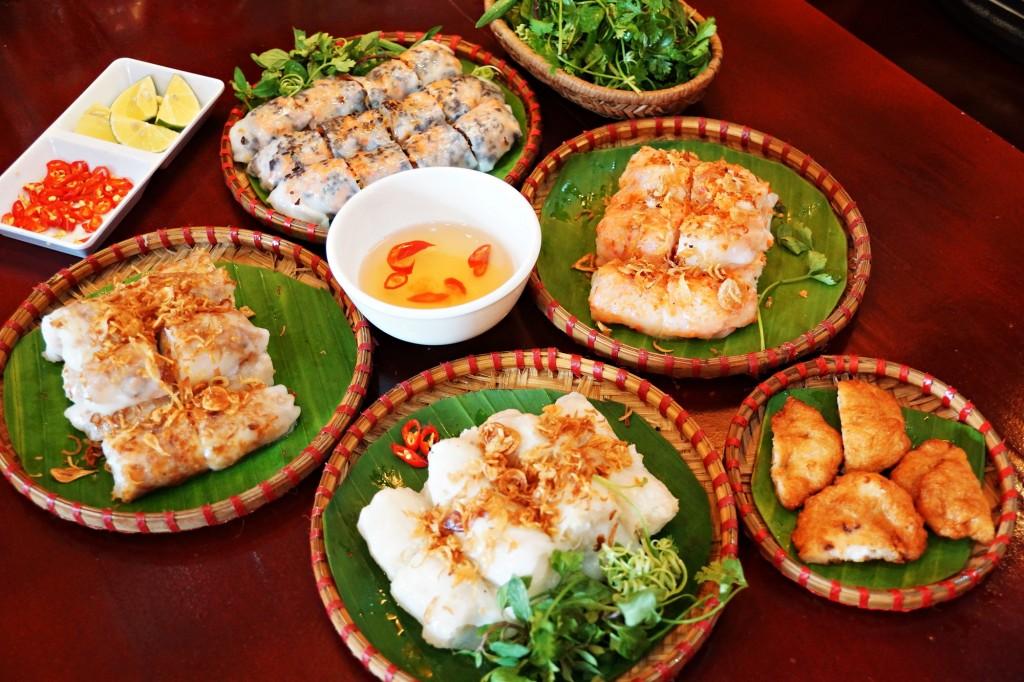 Chả mực avec des raviolis vietnamiens