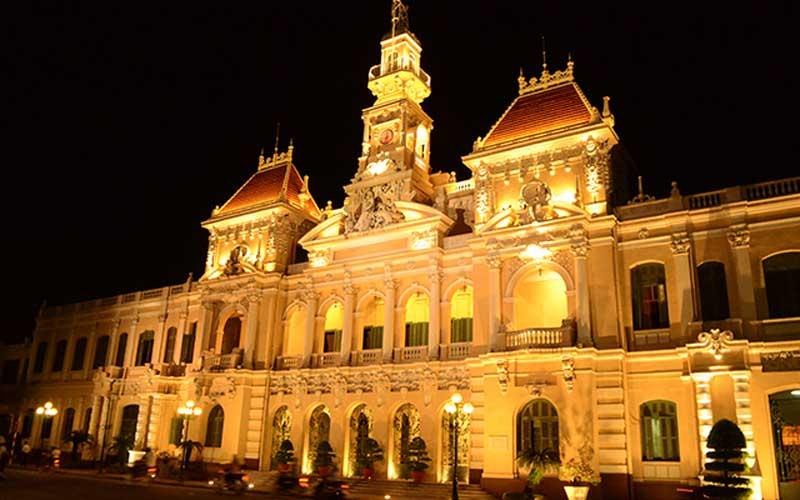 L'Hôtel de Ville illuminé