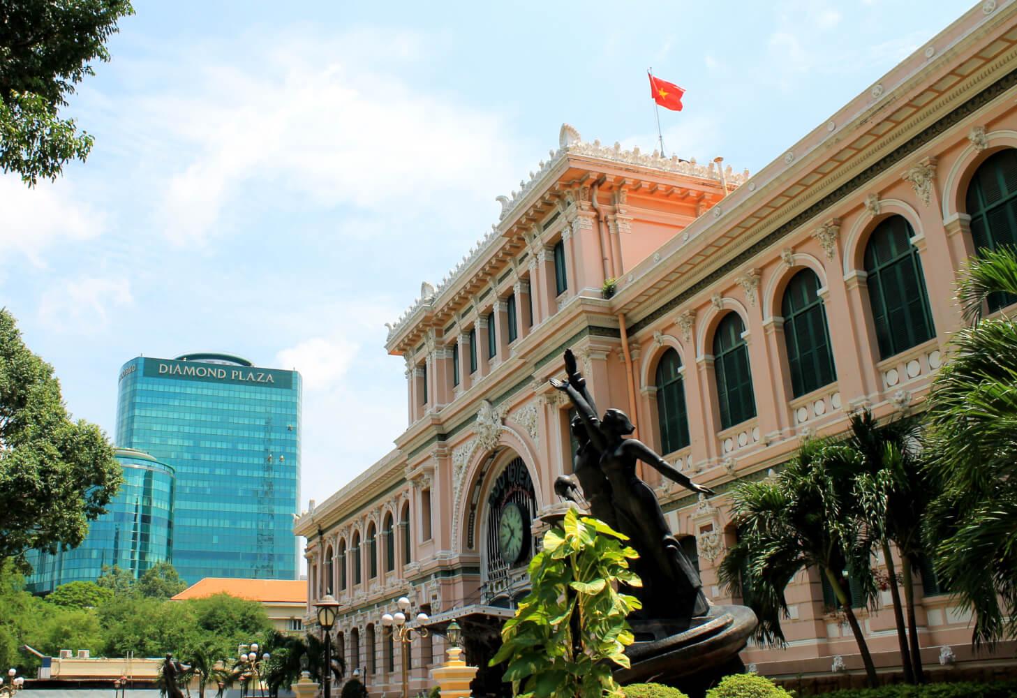 monument français vietnam amica travel