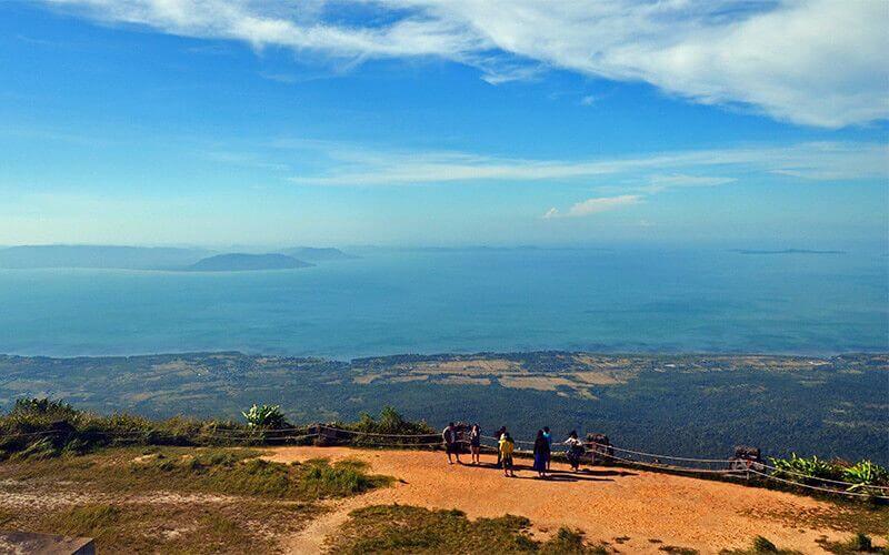 le panorama à couper le souffle sur le Golf de Thaïlande et l'île vietnamienne de Phu Quoc Amica Travel
