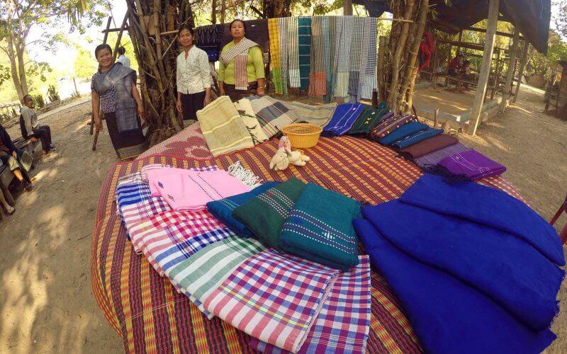artisans soie laotienne