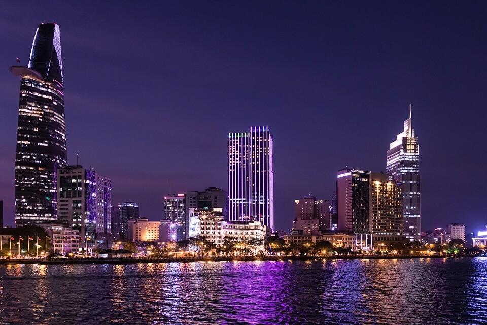 toponymie saigon vietnam skyline